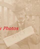 Photo Ancienne De 1911 - Un Notable Lisant Le Journal L' AUTO - TOP RARE - Cars