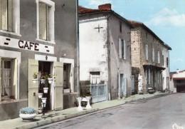 JOUSSE  L'HOTEL DES 3 PILIERS - Frankrijk