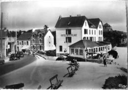 St Marc Sur Mer : Hotel De La Plage Et Rue Du Commandant Charcot - France
