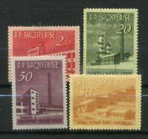 ALBANIE (POSTE)  :  Y&T  N°  655/58  TIMBRES  NEUFS  AVEC  TRACE  DE  CHARNIERE ,   A VOIR. - Albania