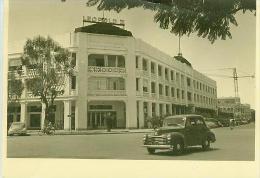 PHOTO  FORMAT  CP.  CONGO  BELGE.  ELISABETHVILLE.   HOTEL  LEOPOLD  II.  Déchirure  Centre  Haut - Kinshasa - Léopoldville