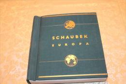 (500) schweres Schaubek Nostalgie Album von 1941 -Europa Teil 2 mit einigem Inhalt  !