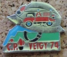 SAPEURS POMPIERS DE VEIGY 74  - FRANCE -  CASQUE- CAMION  -  FIREMAN    -        (BRUN) - Pompiers