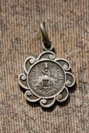 """Pendentif Médaille Religieuse Uniface """"Notre-Dame De Montflière"""" Bellancourt Somme - Religious Medal - Religione & Esoterismo"""