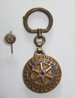 Porte Cle + Epinglette Rotary International - Porte-clefs
