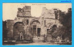 NIMES (Gard) FAÇADE DU TEMPLE DE DIANE. - 1916 - - Nîmes