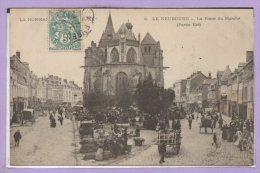 27 - Le NEUBOURG -- La Place Du Marché - Partie Est - Le Neubourg