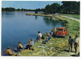 MESNARD LA BAROTIERE. - La Pêche Au Lac De La Tricherie. CPM RARE - Renault 4L 1er Plan - France