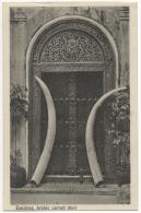 Tanzanie. Zanzibar. Arabic Carved Door And 2 Ivory Tusks. - Tanzanie