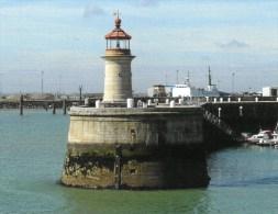 Postcard - Ramsgate West Pier Lighthouse, Kent. SMH32D - Lighthouses