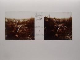 Photo Plaque De Verre Stéréoscopique Guerre Eparges Cadavre Prisonniers Tranchées - Diapositiva Su Vetro
