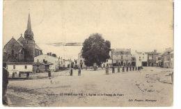 Le Poiré Sur Vie. L'Eglise Et Le Champ De Foire - Poiré-sur-Vie