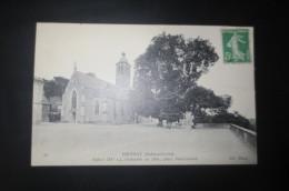 Vouvray   Place Sadi Carnot Et église - Vouvray