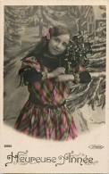 Themes - Enfants - Ref 491 - Fantaisie - Fille Portant Un Bouquet De Gui - Filles  - Carte Bon Etat - - Portraits