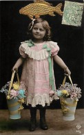 Themes - Enfants - Ref 477 - Fantaisie - Fillette Aux Seaux De Fleurs - 1er Avril - Carte Bon Etat - - Portraits