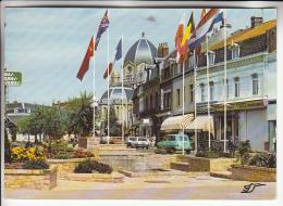 HENIN BEAUMONT 62 - La Place  ( Commerces Automobile 4L Renault ) CPSM CPM GF 1987 - Pas De Calais - Henin-Beaumont