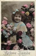 Themes - Enfants - Ref 443 -  Fantaisie -portrait De  Fillette Au Milieu De Roses -  Carte Bon Etat - - Portraits