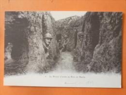 V09-80-sommes-le Boyau D'acces Au Bois En Hache-militaire--soldats - Non Classés