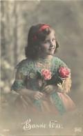Themes - Enfants - Ref 431 -  Fantaisie  - Fillette Aux Deux Roses  - Fillettes  -   Carte Bon Etat - - Portraits