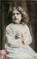 Themes - Enfants - Ref 387 - Fantaisie - Portrait De Fillette Aux Bras Croises - Fillettes - - Portraits