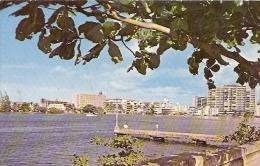 PUERTO RICO- SAN JUAN:  CONDADO SECTION ACROSS THE CONDADO LAGOON- EDIT. DEXTER- PHOTO BY RAHOTA- VOYAGÉE 1972-GECKO. - Postkaarten
