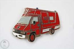 Sapeurs Pompiers 18 - Fireman/ Firefighter Car - Pin Badge #PLS - Bomberos