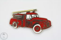 Sapeurs Pompiers 18 - Fireman/ Firefighter Old Truck - Pin Badge #PLS - Bomberos