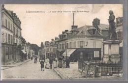 LIANCOURT . Un Coin De La Place Et Rue Victor - Hugo . Etat . - Liancourt