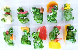 FIGURINES LES TINY TORTUES SERIE KINDER COMPLETE - 1993