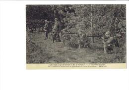Nouvel équipement De L´Armée - L´Uniforme Réséda - Soldats D´Infanterie En Tirailleurs - Poilu Fusil Couteau  N°11 - Guerre 1914-18