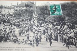 CPA Troyes Ière Fete De La Bonneterie Septembre 1909 Le Mirliton Troyen Soldats De Bois - Troyes