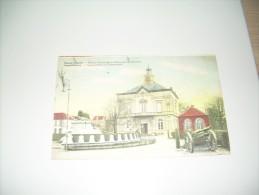 Postkaart Leopoldsburg Gemeentehuis En Gedenkteken  In Kleur - Leopoldsburg