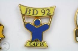 BD 92 - CAF 16 - Arthus Bertrand Paris - Pin Badge #PLS - Arthus Bertrand