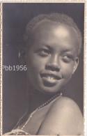 KABGAYI - Carte Photo D'une Jeune Fille Indigene - (2 Scans) - Photographe Eric WEYMEERSCH - Ruanda-Urundi