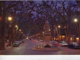Aix-en-Provence.. Le Cours Mirabeau.. La Nuit.. Statue Du Roy René.. Voitures - Aix En Provence