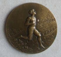 ANCIENNE MEDAILLE De TABLE  En BRONZE  PRIX D´ ATHLETISME Signée GRUSSINGER - Athlétisme