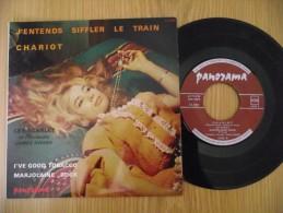 """EP - 45 Tours - LES SCARLET  -  """" J'entends Siffler Le Train """" - Pressage France 196? - Pin Up Cover - Non Classés"""