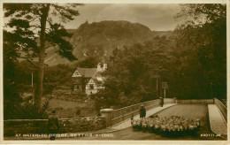 Royaume-Uni - Pays De Galles - Caernarvonshire - AT Waterloo Bridge , Bettws Y Coed. - Animaux - Moutons - état - Caernarvonshire