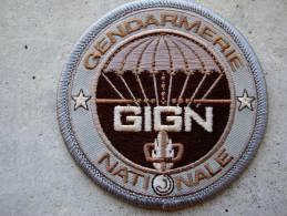 INSIGNE TISSUS PATCH GENDARMERIE NATIONALE LE GIGN EN B.V SUR VELCRO ETAT EXCELLENT