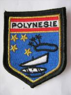 INSIGNE TISSUS PATCH GENDARMERIE NATIONALE ECUSSON DE BRAS POLYNESIE VARIANTE (ILE FOND BLEU + DOUBLE BORDURE DOREE)