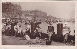 Very Animated The North Sands Bridlington Yorkshire Postcard (YKS71236) - England