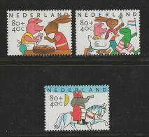 NEDERLAND, 1998, MNH Stamps, Child Welfare,  Nr(s). MI 1680-1682, #5823 - Period 1980-... (Beatrix)