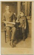 Real Photo Tampa Fotografia Nocturna  1921 Persona Mayor Con Un Nino Al Telefono - Tampa