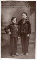 ENFANTS . PHOTOGRAPHE G. DRIVAH RUE DE LA CAPELLE MILLAU ( CARTE PHOTO) - Réf. N°2254 - - Portraits