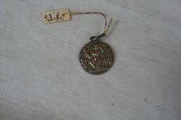 Médaille Du Zodiaque De La Vierge En ARGENT - Godsdienst & Esoterisme