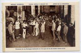 Espagne-JEREZ DE LA FRONTERA - Pedro DOMECQ - Vinos Conac Y Grand Vin-Personal Des Las Bodegas Bebiendo.......... éd HMS - Espagne