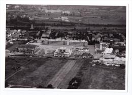 Grande Photo Aérienne Décines-Charpieu (Rhône), Site Rhône-Poulenc, Milieu Des Années 1960 - Lieux