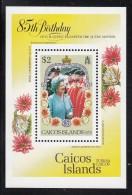 Caicos Islands MNH Scott #77 Souvenir Sheet $2 Queen Mother Inspecting The Guardsmen - 85th Birthday - Turks & Caicos (I. Turques Et Caïques)