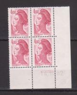 FRANCE / 1982 / Y&T N° 2244 ** : Liberté 4 F Carmin X 4 - Coin Daté 1982 10 14 (=) - 1980-1989