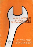 25 - BEAULIEU VALENTIGNEY- MONTBELIARD- BEAU CATALOGUE OUTILS SPECIAUX MOTO PEUGEOT- SCOOTER- 1972 - Motos